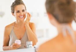 De craquelé à craquant: conseils de maquillage pour peaux sèches