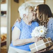 5 cadeaux de la fête des Mères parfaits pour grand-maman