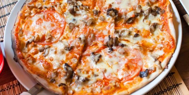 Une pizza au barbecue en 3 étapes faciles