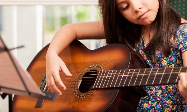 Guide simple pour apprendre à lire les tablatures de guitare