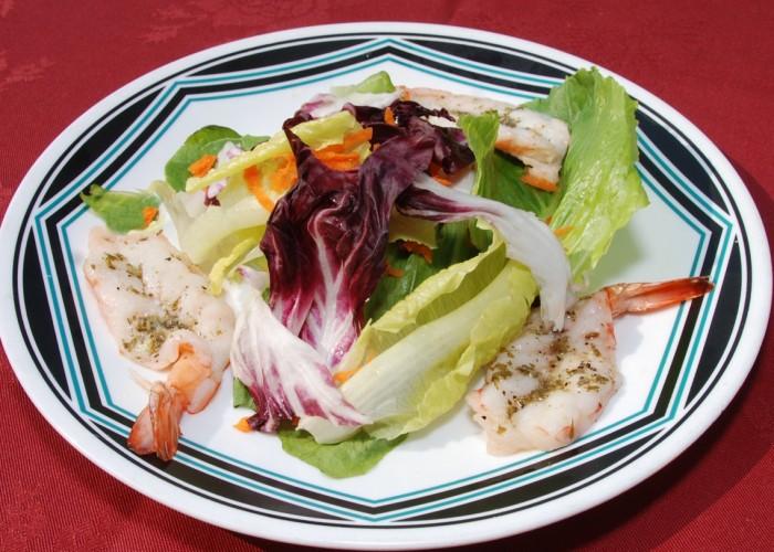 Il Vagabondo propose de copieuses salades.