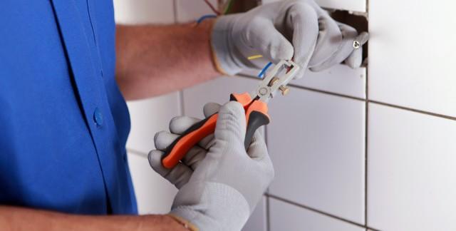 Comment installer des interrupteurs et des luminaires
