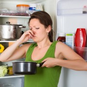 Comment éliminer les mauvaises odeurs dans une maison