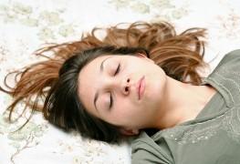Les aliments qui affectent le sommeil: les bons et les mauvais choix
