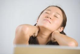 Mal de cou: quand on ne sait plus où donner de la tête…