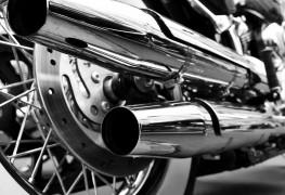 Remorquer sa moto soi-même ou faire appel à des professionnels?