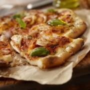 La pizza au poulet: le meilleur des deux mondes