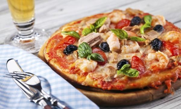 La pizza aux crevettes: un goût de bord de mer