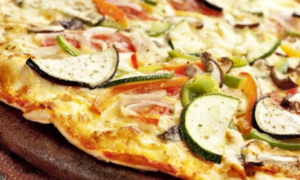 Amateurs de fraîcheur, craquez pour la pizza végétarienne!