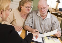 Protéger l'argent de vos parents âgés: points pratiques