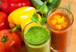 4 breuvages rafraîchissants aux fruits et aux légumes