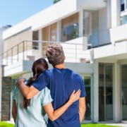 Pourquoi la mise en scène de votre maison est un investissement essentiel