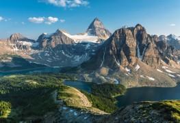Découvrez les sommets les plus hauts dans chaque province et territoire du Canada