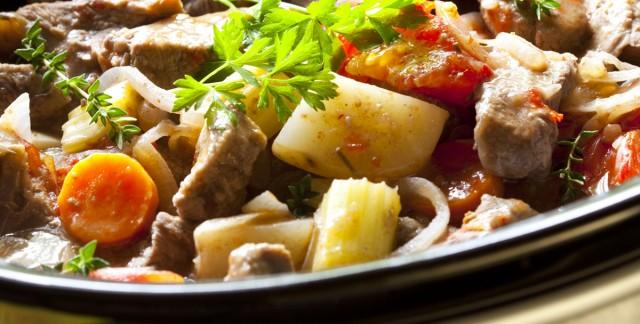 Attendrir la viande de ragoût dans une mijoteuse
