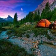 10 expériences de camping vraiment uniques au Canada