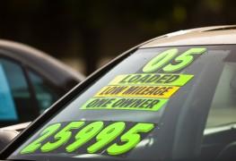 12 questions importantes à poser lorsque vous appelez un concessionnaire de voitures d'occasion