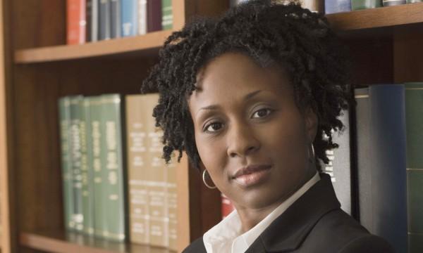 Pourquoi se passer des services d'un avocat en immigration?