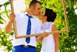 3 idées amusantes pour mettre en place une cabine photo de mariage