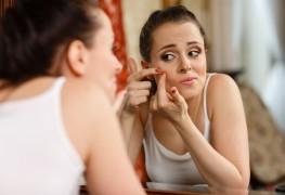 4 traitements maison contre l'acné avec des ingrédients naturels