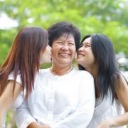 Comment rester proche de vos parents vieillissants