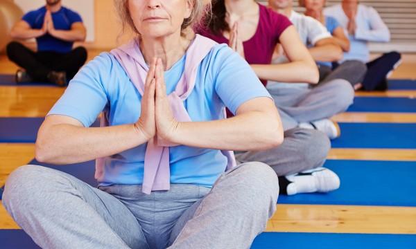 Exercices intermédiaires deshanches pour les personnes souffrant d'arthrite