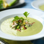 Recettes essentielles de soupes froides pour survivre à l'été