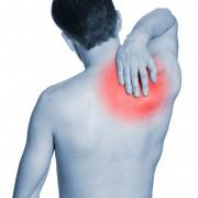 Des remèdes simples pour les douleurs audos, aucou et à l'épaule