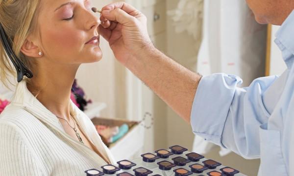 Comment devenir une pro du maquillage en quelques minutes