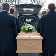 Préarrangement funéraire: incinération ou enterrement?