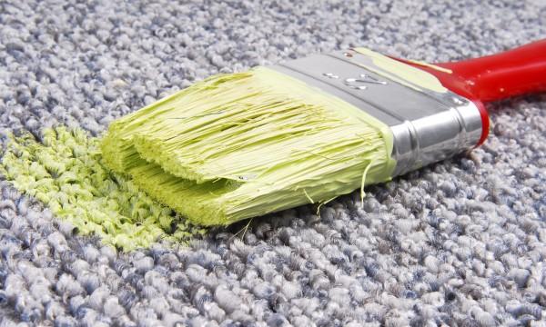 Comment nettoyer une tache de peinture sur un v tement trucs pratiques - Comment enlever de la cire sur un vetement ...