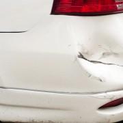 Réparez simplement les bosselures sur votre automobile