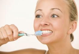 Savez-vous vous brosser les dents?