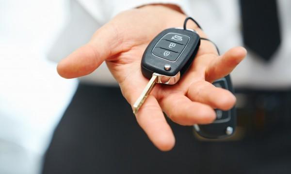 Comment acheter une nouvelle voiture pendant la COVID-19