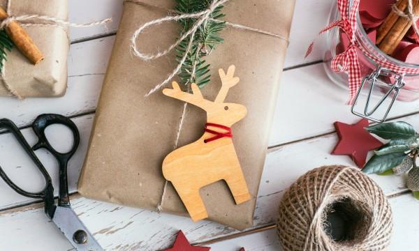 Des alternatives écologiques à l'emballage cadeau traditionnel