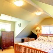 Guide pour transformer votre grenier en chambre