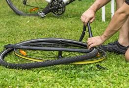 Changer une chambre à air de vélo en 3 étapes