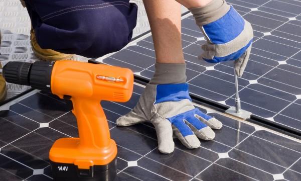 4 choses que vous devriez savoir sur les chauffe eau solaires trucs pratiques. Black Bedroom Furniture Sets. Home Design Ideas
