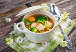 2 recettes de soupes réconfortantes: soupe au poulet et minestrone