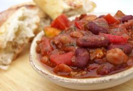 Chili rassasiant à la viande et aux 3 haricots