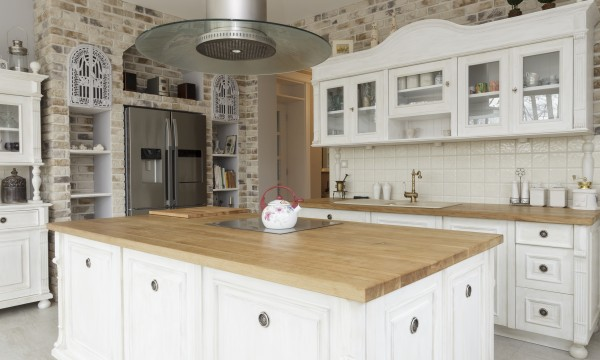 comment choisir et entretenir les surfaces de travail en bois trucs pratiques. Black Bedroom Furniture Sets. Home Design Ideas