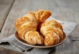 Croissants maison au beurre dorés et croustillants