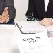 3 façons de simplifier un CV trop long