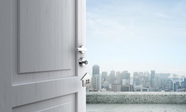 Réparer et rénover de vieilles portes pour économiser de l'argent