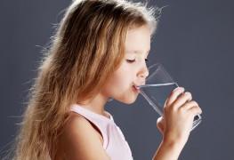 L'eau du robinet ou l'eau en bouteille: laquelle est meilleure?