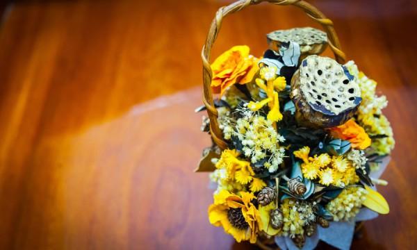Comment réaliser une composition de fleurs séchées