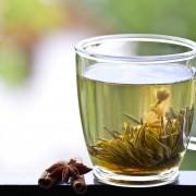 Le thé vert permet de soulager les symptômes de l'arthrite
