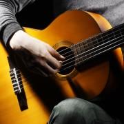 4 conseils pour vous apprendre à jouer de la guitare