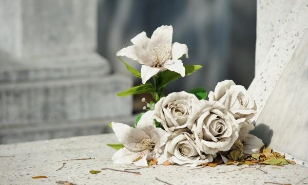 Combien coûtent les services funéraires?