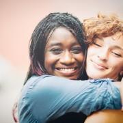 Faites durer votre amitié: activités amusantes pour les meilleurs amis à Edmonton