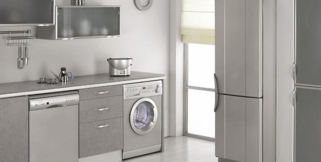 6 fa ons de r parer un cong lateur qui coule trucs pratiques. Black Bedroom Furniture Sets. Home Design Ideas